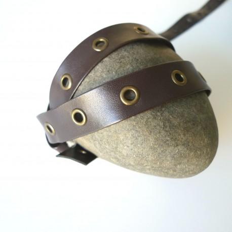 Galon marron simili oeillets bronze
