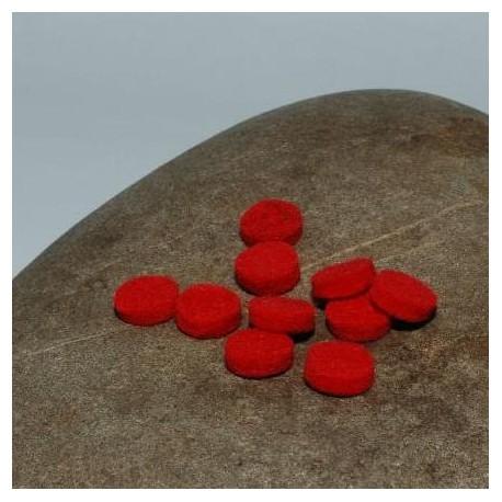 Coeurs de feutre de laine rouges