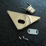 Fermoir luxe tourniquet triangle