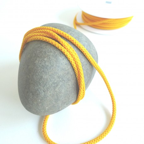 Cordon tricoté jaune