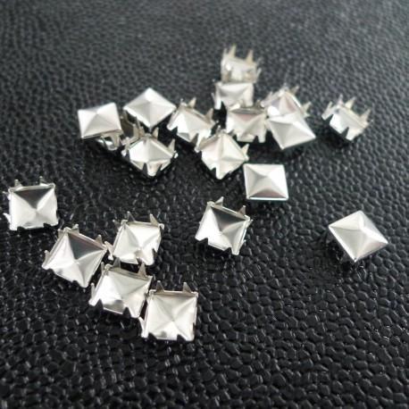 Rivets à griffes pyramide 9 mm nickel