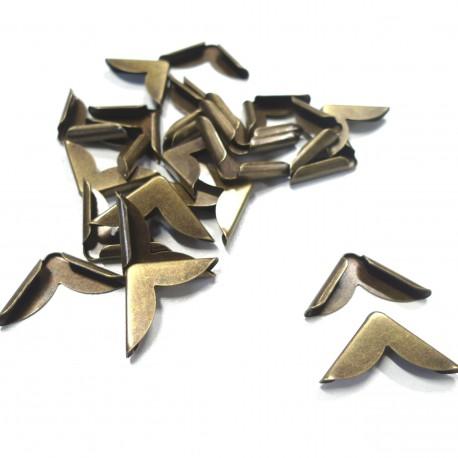 Coins métal bronze