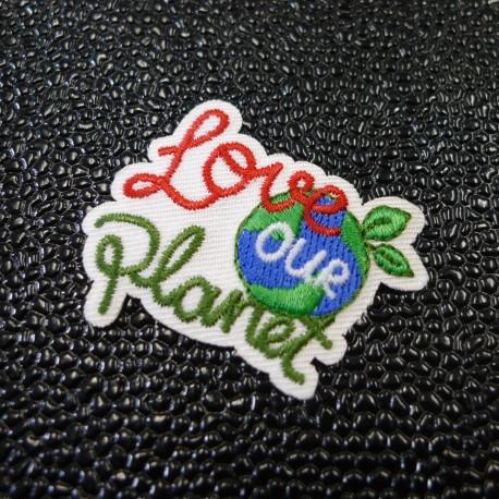 Ecusson brodé Love our Planet