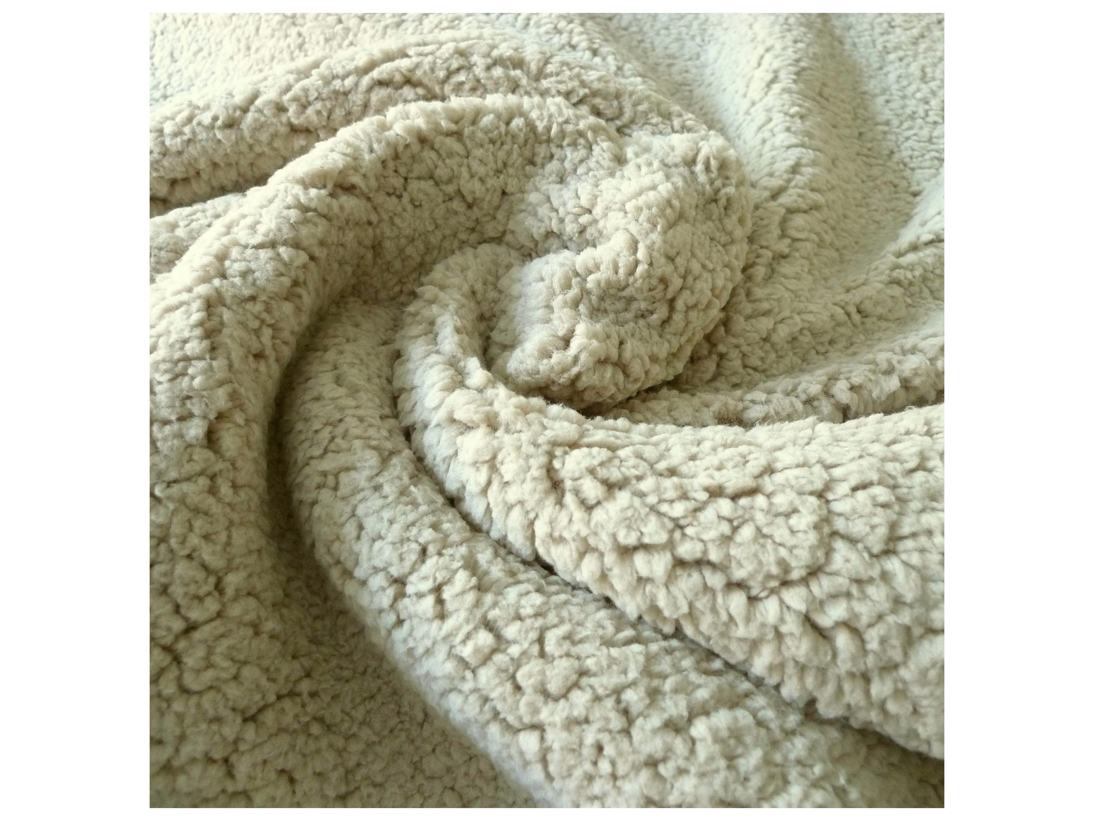 Fourrure mouton beige - Tissus e32e765576d
