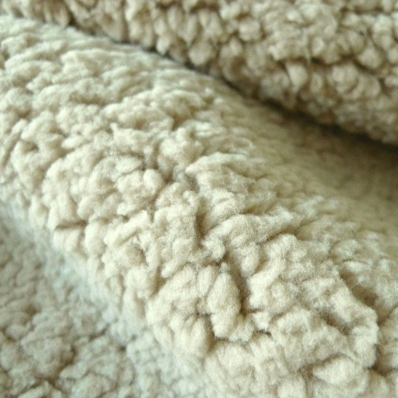 Fourrure mouton beige · Fourrure mouton beige ... 5984d82018f