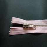 Fermeture  à glissière métal rose pâle